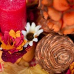 diy-thanksgiving-decorations-red-candle-flowers-orange-shades